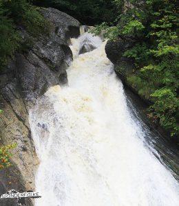Wasserfall am Eingang der Starzlachklamm