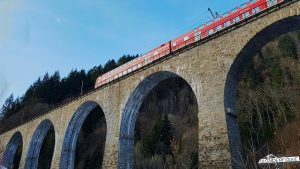 Zug auf Ravennabrücke Höllstieg Ravennaschlucht