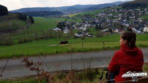Hilchenbach Löffelpfad Aussichtspunkt Maiersports Härtetest Wanderblog Wanderfalke