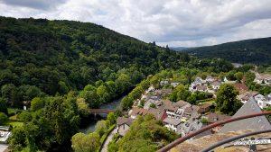 Blick von der Burg Hengebach Heimbach im Nationalpark Eifel