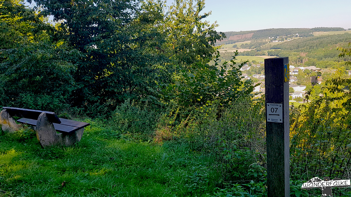 Blick auf Obermaubach Buntsandsteinroute Nordeifel