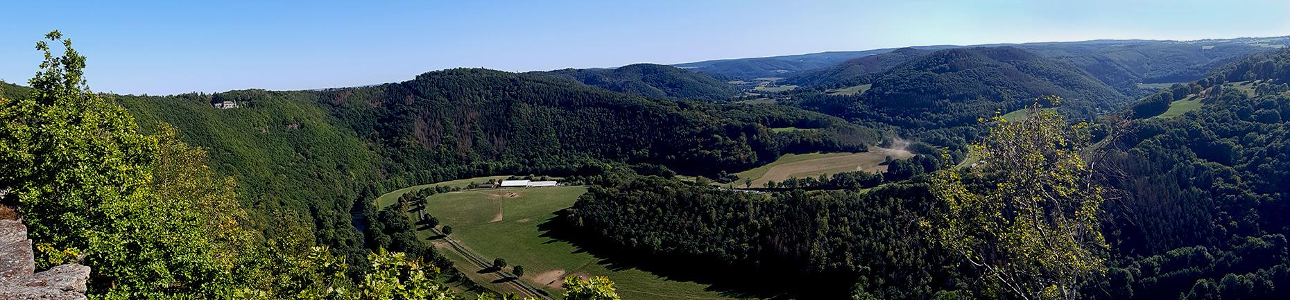 Aussicht auf die Rurschleife bei Nideggen im Nationalpark Eifel