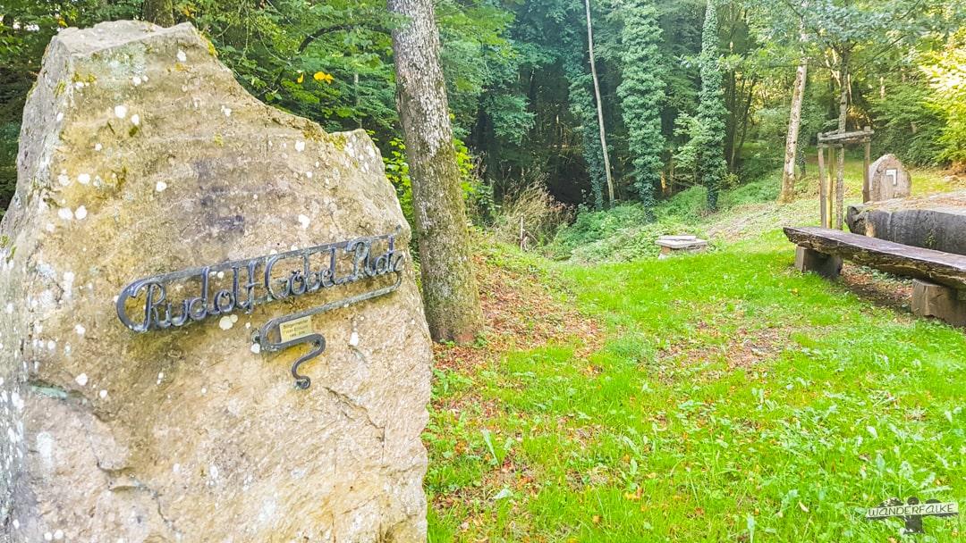 Rudolf-Göbel-Platz Felsenweiher Ernzen Teufelsschlucht Felsenweg Schluchtenweg Wandern