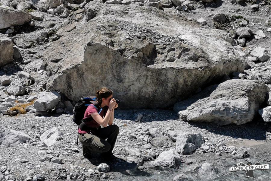 Annkatrin fotografiert die Eiskapelle