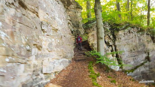 Felsen überall Felsenweg 6 NaturWanderpark delux Teufelsschlucht Ernzen Echternach