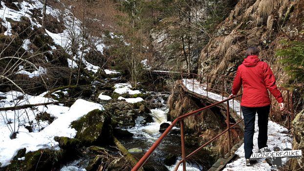 Ravennaschlucht Wandern Maier Sports Härtetest Wanderblog Wanderfalkeonline Winter Schnee